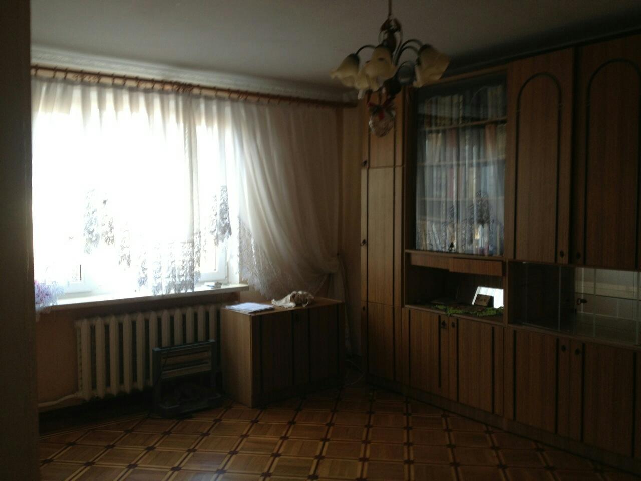 продажа трехкомнатной квартиры номер A-101650 в Киевском районе, фото номер 1